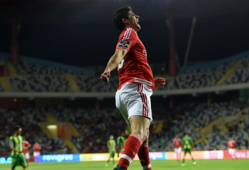 Guedes con el Benfica. / AFP PHOTO /FRANCISCO LEONG