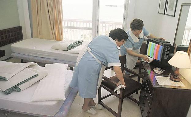 La generalitat revisar el trabajo de las camareras de piso en 200 hoteles las provincias - Que cobra una camarera de pisos ...