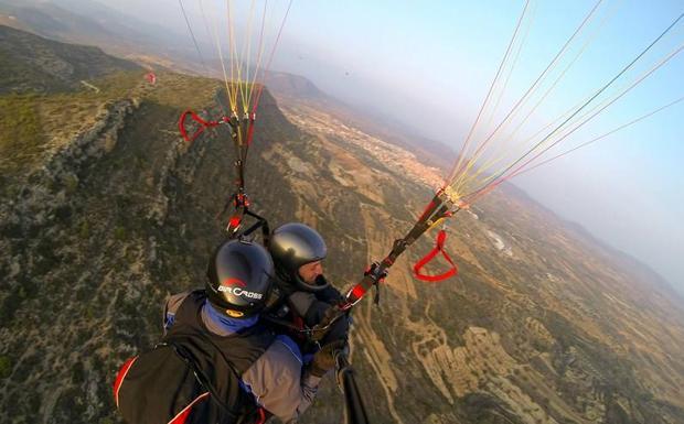 Valencia desde las alturas actividades a reas para subir la adrenalina las provincias - Paseo en globo valencia ...