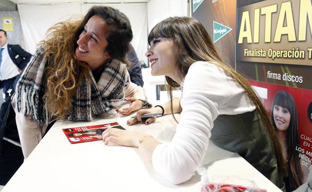 Aitana Firma Discos En Valencia Las Provincias