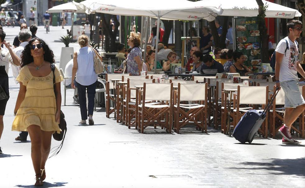 Terrazas En Valencia Guerra A Las Terrazas De Bares Y