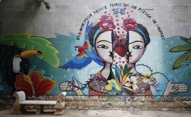 Las mujeres también pintan en las calles de Valencia | Las Provincias