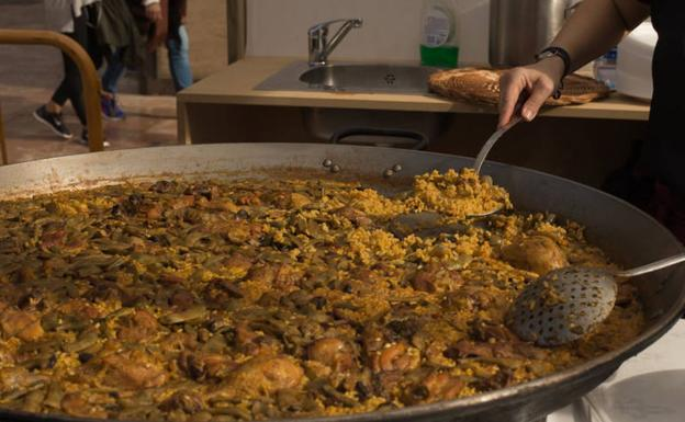 World-paella-day-kc9d-u60975563988sxb-624x385@las%20provincias