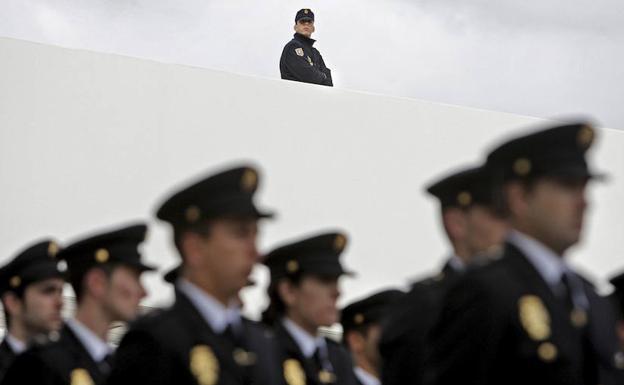La Policía tendrá un teléfono antisuicidios para sus agentes en crisis