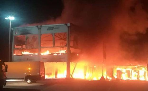 Circuito Jerez : Un incendio en el circuito de jerez altera el mundial de motoe