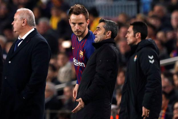 Rakitic y Valverde. / reuters