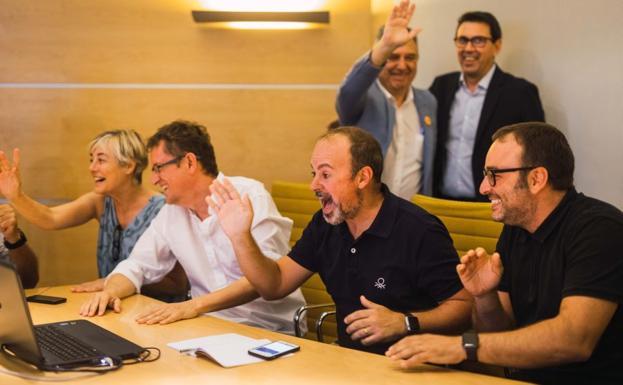 Momento en el que se comunica a Valencia que ha sido designada Capital Mundial del Diseño 2022. /LP
