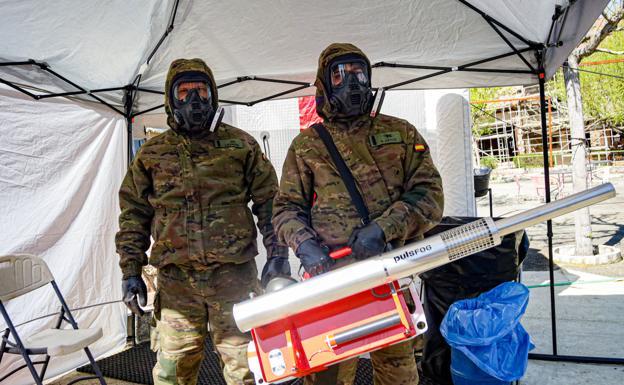 El regimiento de defensa nuclear y biológica NBQ de Paterna entra en la lucha contra el virus