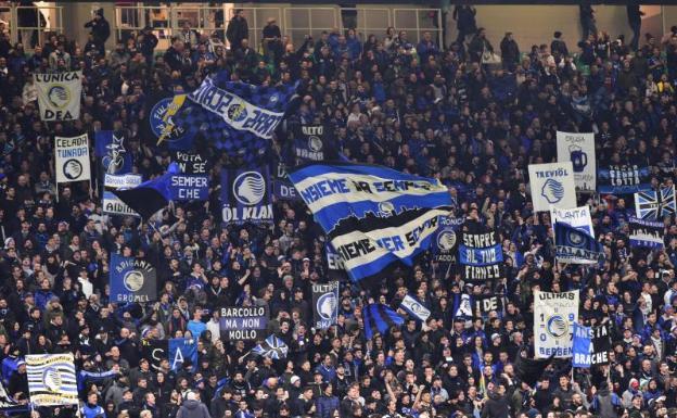 Aficionados del Atalanta en Milán, en el partido con el Valencia el pasado 19 de febrero.