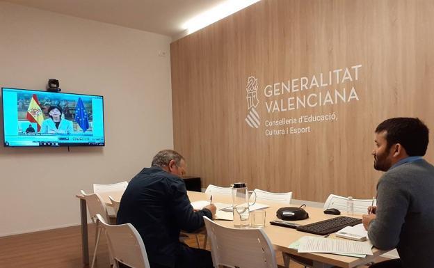 Vicent Marzà y Miguel Soler, durante la Conferencia Sectorial de Educación de esta mañana./ LP