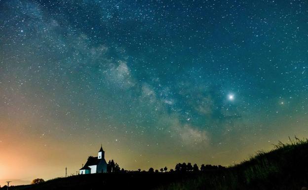 Descubren una rareza cósmica que revela nuevas pistas sobre la fuente de energía de la Vía Láctea