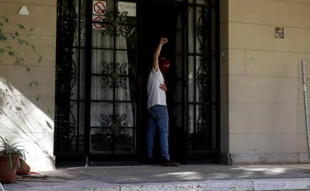 La «Ley okupa»: Qué dice la ley sobre denuncias, sanciones y cómo recuperar una vivienda 'okupada'
