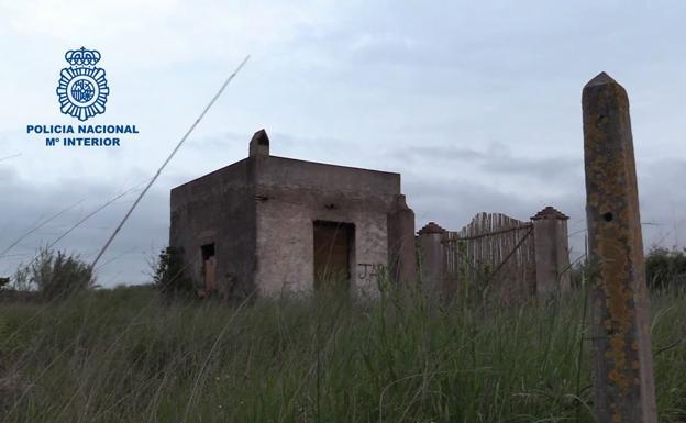 Casa abandonada en la que residía el fugitivo.