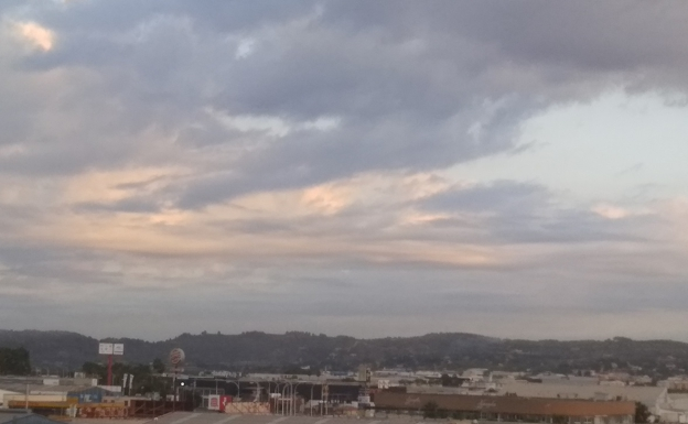 The sky has dawned very cloudy this Monday in Xàtiva.